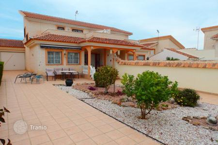 Houses for sale in Los Dolses. 3 bedroom villa with private plot, solarium and summer dining area in Los Dolses, Orihuela Costa