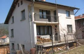 Cheap 4 bedroom houses for sale in Bulgaria. Detached house – Govedartsi, Sofia region, Bulgaria