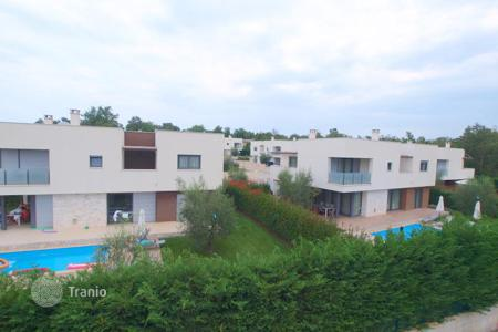 4 bedroom houses by the sea for sale in Istria County. Villa – Karigador, Istria County, Croatia
