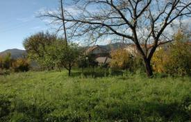 Plot with fruit trees, overlooking the sea, in the bar beside the old olive tree for 200,000 €