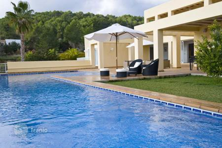 Property to rent in Ibiza. Designer villa with terrace and pool for rent in the town of San Rafael, Ibiza