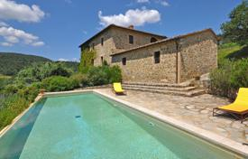 Villas and houses to rent in Montalcino. Villa – Montalcino, Tuscany, Italy