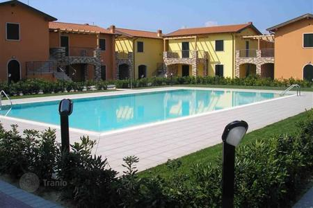Apartments for sale in Veneto. Apartment – Peschiera del Garda, Veneto, Italy
