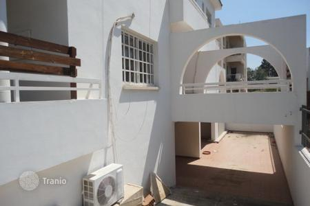 Houses for sale in Strovolos. Three Bedroom Semi-Detached House in Dasoupolis