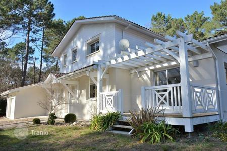Residential for sale in Aquitaine. Villa – Aquitaine, France