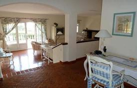 4 bedroom villas and houses to rent in Western Europe. Villa – Grasse, Côte d'Azur (French Riviera), France