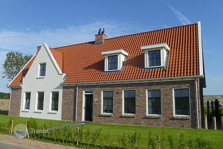 Coastal property for rent in Zeeland. Detached house – Colijnsplaat, Zeeland, Netherlands