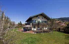 Luxury 6 bedroom houses for sale in Central Europe. Two-storey villa with a large plot in a quiet area of the city, Josefstal, Schliersee, Germany