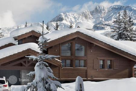 Villas and houses for rent with swimming pools in Western Europe. Chalet – Courchevel, Auvergne-Rhône-Alpes, France