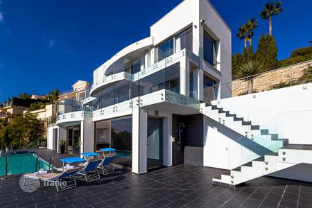4 bedroom villas and houses to rent in Alicante. Villa – Alicante, Valencia, Spain
