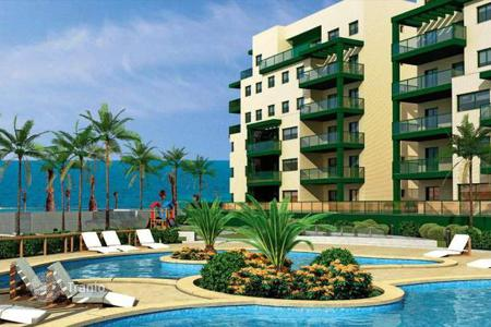 Cheap property for sale in Mil Palmeras. Apartments with 2 to 4 bedrooms in a beachfront complex, Mil Palmeras