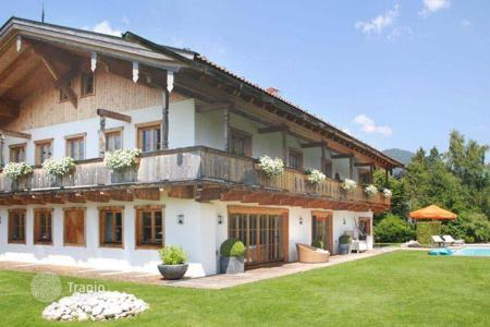 Houses with pools for sale in Bavaria. Bavarian-style villa on the outskirts of Munich Rottach-Egern