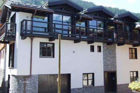 Luxury 6 bedroom houses for sale in Auvergne-Rhône-Alpes. Villa – Courchevel, Auvergne-Rhône-Alpes, France