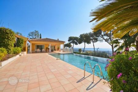 5 bedroom houses for sale in Europe. Villa – Antibes, Côte d'Azur (French Riviera), France