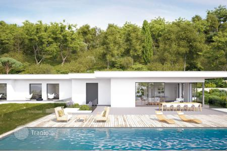 Residential for sale in La Croix-Valmer. Close to Saint-Tropez — Magnificent modern house