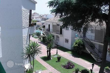 Cheap 1 bedroom apartments for sale in Costa del Sol. Small but cozy apartment just 100 meters from the famous beach La Carihuela in Torremolinos