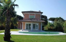 5 bedroom houses for sale in Lucca. Villa – Pietrasanta, Tuscany, Italy
