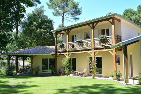 Property for sale in Aquitaine. Villa – Aquitaine, France