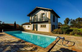 Property for sale in Saint-Pée-sur-Nivelle. Modern villa with a large plot and a pool in Saint-Pee-sur-Nivelle, Aquitaine, France