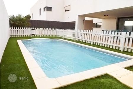 Townhouses for sale in Calafell. Terraced house – Calafell, Catalonia, Spain
