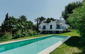 Fully refurbished villa with a swimming pool, Estoril, Portugal for 2,154,000 $