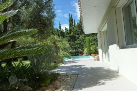 Houses for sale in Pyrenees-Orientales. Villa – Pyrenees-Orientales, France