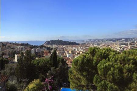Luxury 3 bedroom houses for sale in Nice. Villa - Nice, Côte d'Azur (French Riviera), France