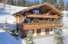 Chalets for sale in France. Three-storеy chalet with а balcony and а pool, next to the ski slopes and views of the Mont Blanc Massif, Saint-Gervais-les-Bains, France