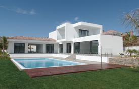Residential for sale in Lagos. Modern 3 bedroom villa, with pool and sea view, in Porto de Mós, Lagos
