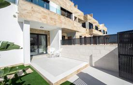 Townhouses for sale in Alicante. Townhouses with private solarium in Villamartín