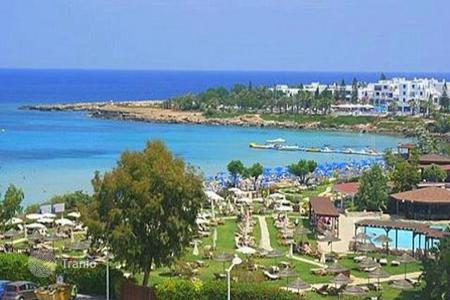 2 bedroom apartments for sale in Protaras. Two Bedroom Beachfront Apartment
