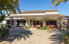 Family home with annex and rental potential on large plot, near Silves for 726,000 $
