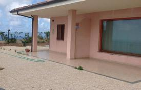 Houses for sale in Calabria. Villa with a garden and sea views in Zambrone, Calabria, Italy