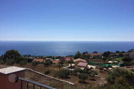 3 bedroom houses for sale in Liguria. New villa with seaview