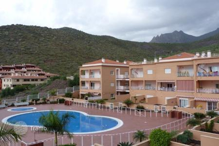 Cheap property for sale in Tenerife. Spacious one-bedroom apartment in Madroñal in a modern residential complex