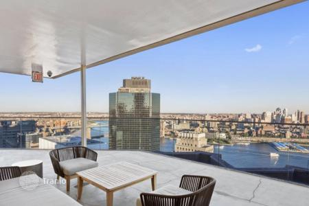 Cheap residential for sale in North America. Studio in Financial District, New York, USA