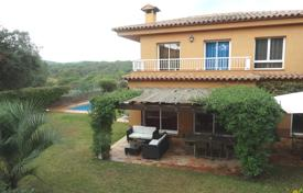 4 bedroom houses for sale in Costa Brava. Villa – Condado del Jaruco, Catalonia, Spain