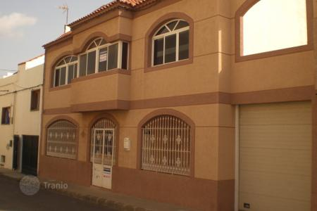 Bank repossessions residential in Canary Islands. Villa – Telde, Canary Islands, Spain
