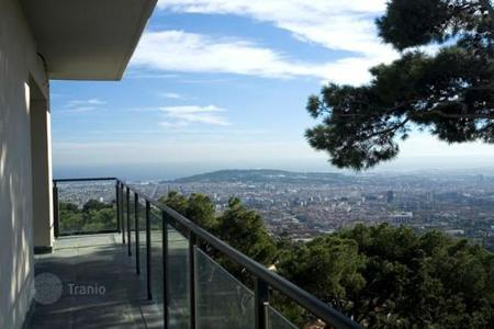 Luxury 2 bedroom houses for sale in Catalonia. Villa – Barcelona, Catalonia, Spain