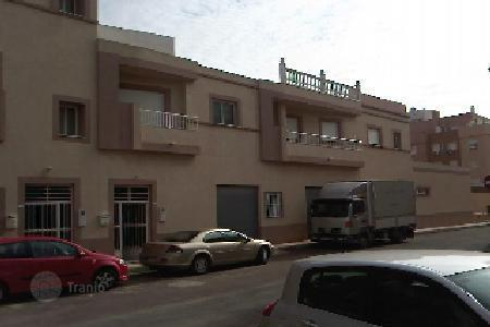 Cheap 4 bedroom houses for sale in Andalusia. Villa - Roquetas de Mar, Andalusia, Spain