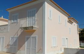 Property for sale in Loule. New 4 Bedroom Villa Priced to sell, Parragil