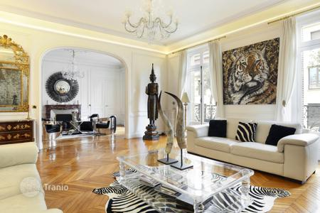 4 bedroom apartments for sale in 16th arrondissement of Paris. Paris 16th District North — Victor Hugo/Bugeaud