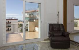 5 bedroom apartments for sale in Costa del Garraf. Brightly lit penthouse in the Poble Sec district of Sitges, Barcelona, Spain
