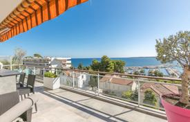 2 bedroom apartments by the sea for sale in Provence - Alpes - Cote d'Azur. Cannes — Palm Beach — Superb penthouse