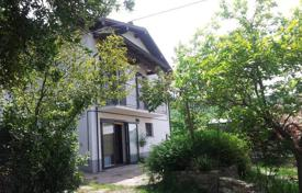Residential for sale in Bobbio. House with swimming pool in paradise, close to Bobbio
