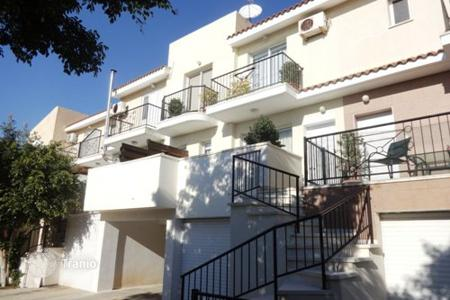 Cheap townhouses for sale in Cyprus. Terraced house – Emba, Paphos, Cyprus