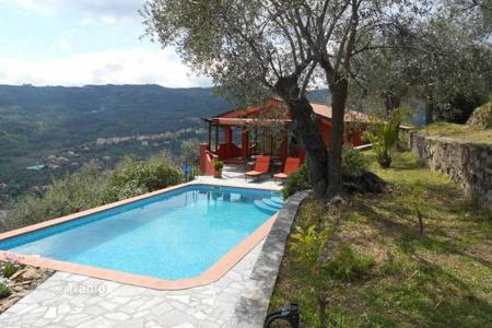 Property for sale in Imperia (city). New two-storey villa with a balcony, a terrace, a swimming pool, a garden, views of the valley and the sea, Imperia, Italy