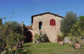 3 bedroom houses for sale in Siena. Traditional stone house with a garden in Siena, Tuscany, Italy