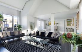 Luxury 3 bedroom apartments for sale in Ile-de-France. Paris 7th District –An exceptional penthouse apartment