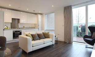 Two-bedroom apartment with a large corner balcony, London, United Kingdom for 530,000 £